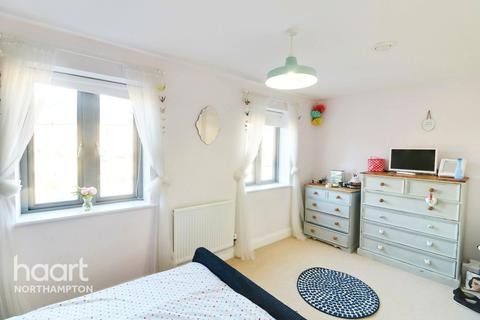 4 bedroom terraced house for sale - Knot Tiers Drive, Northampton