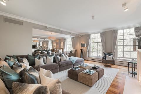 4 bedroom flat to rent - Lowndes Square, Knightsbridge, London, SW1X
