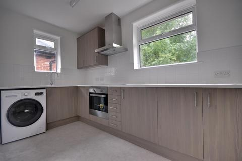 2 bedroom flat to rent - Pinner Road Northwood Hills Middlesex