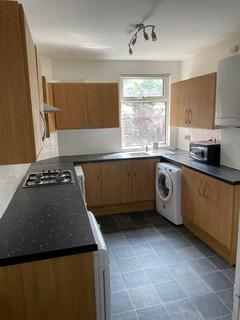 4 bedroom semi-detached house to rent - Whitby Road, Fallowfield