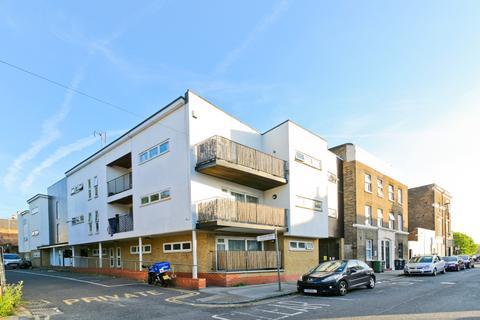 2 bedroom flat for sale - Smikle Court, Hatcham Park Mews, London, SE14