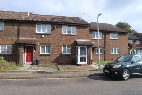 2 bedroom terraced house to rent - Aldenham Drive, Uxbridge, UB8
