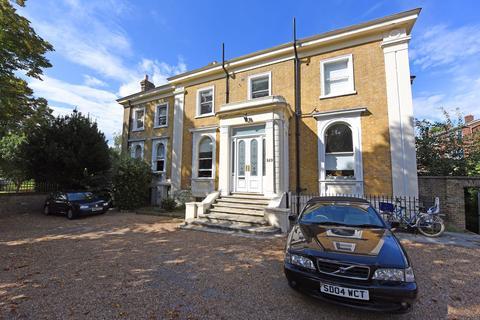 2 bedroom flat for sale - Carisbrooke House, 149 Upper Tulse Hill, Tulse Hill