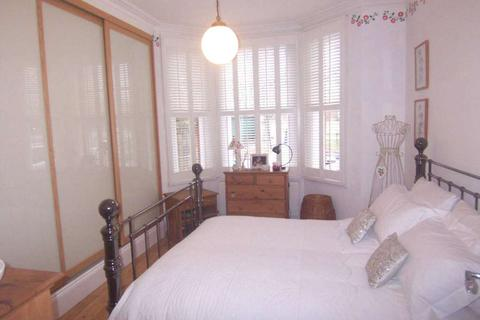 1 bedroom apartment to rent - Cobourg Road, Camberwell, SE5 0HU