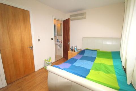 1 bedroom house share to rent - St Davids Square, Canary Wharf, London, E14