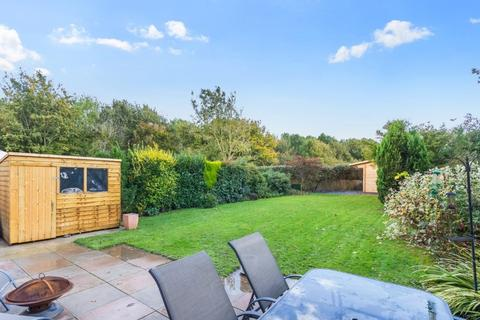 3 bedroom semi-detached house for sale - The Acorns, Sayers Common, West Sussex, BN6