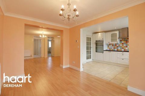 2 bedroom bungalow for sale - Boyd Avenue, NR19