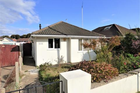 2 bedroom detached bungalow for sale - Blandford Road, Hamworthy
