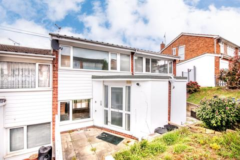 3 bedroom terraced house for sale - Dunster Crescent, Hornchurch, RM11 3QD