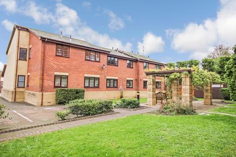 2 bedroom apartment to rent - Bath Road, Old Town, Swindon