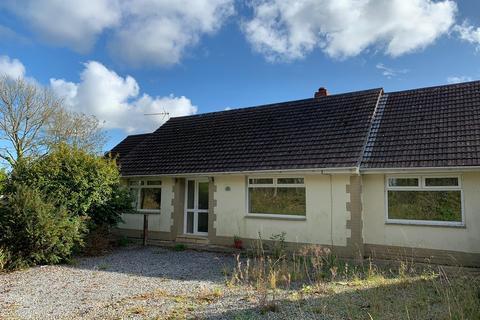 4 bedroom detached bungalow for sale - New Road, Hook