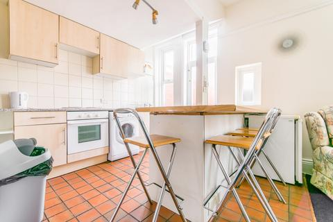 4 bedroom terraced house to rent - Osborne Road, Jesmond, Newcastle Upon Tyne