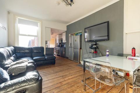 5 bedroom maisonette to rent - £85pppw - Bolingbroke Street, Heaton, Newcastle Upon Tyne