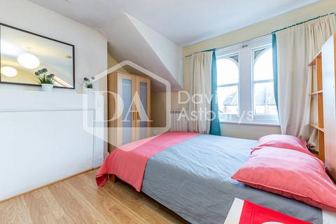 Studio to rent - Church Lane, Crouch End, London