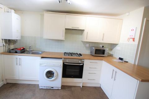 4 bedroom flat to rent - Crookesmoor Road (GF F1/2), Ground Floor