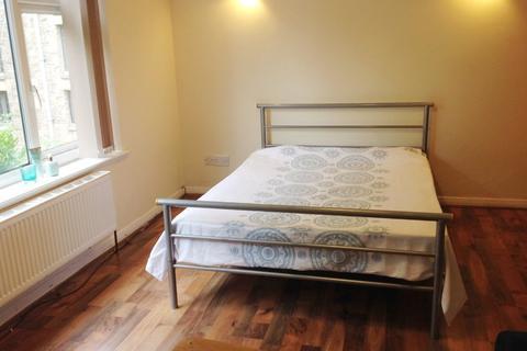 1 bedroom flat to rent - Beech Court, 3 Beech Hill Road