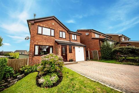 5 bedroom detached house for sale - Petrel Close, Bamford, Lancashire