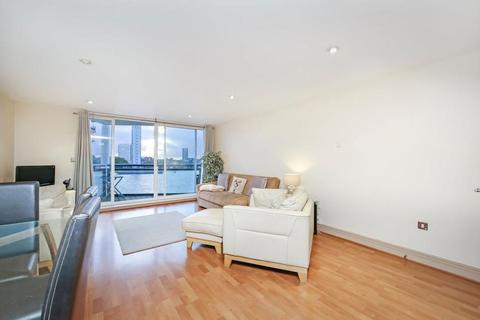 2 bedroom flat for sale - Newton Place, London E14