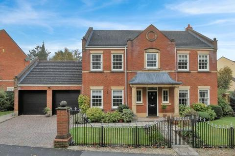 5 bedroom detached house for sale - St. Josephs Way, Nantwich