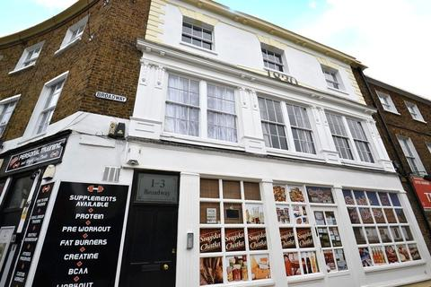 1 bedroom flat for sale - High Street, Sheerness