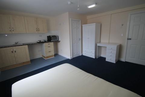 Studio to rent - Radford Road, Nottingham