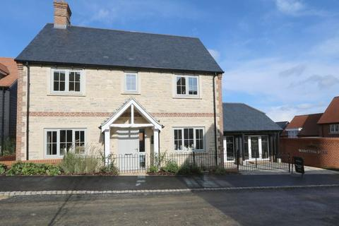4 bedroom detached house for sale - Visit us at the marketing suite, Mortimer Fields, Long Crendon