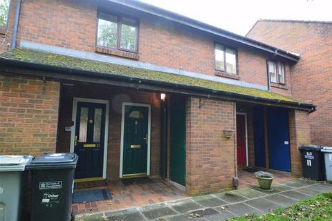 2 bedroom flat to rent - Farndale Walk, Macclesfield