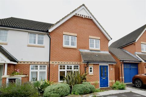 3 bedroom house to rent - Clonmel Close, Caversham, Reading