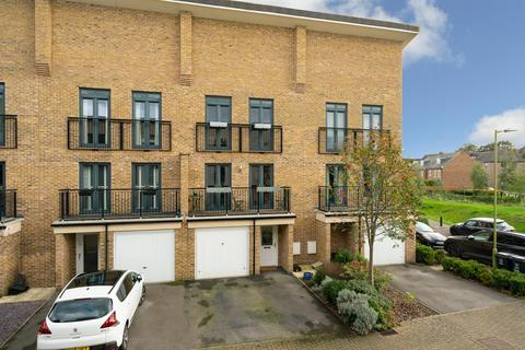 4 bedroom townhouse for sale - Sheldon Way, Berkhamsted