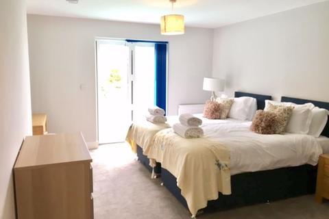 3 bedroom flat to rent - PREMIUM FIRST FLOOR THREE BEDROOM APARTMENT, POOLE