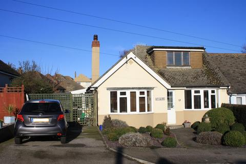 2 bedroom semi-detached bungalow for sale - Gloucester Avenue, Bexhill-on-Sea, TN40
