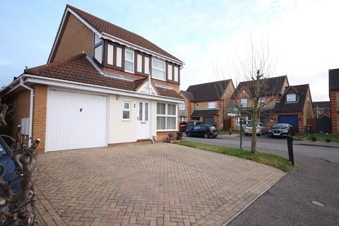 3 bedroom detached house for sale - Arnhem Place, Shefford, SG17
