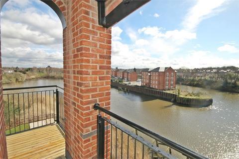2 bedroom apartment to rent - Lulworth Place, Walton Locks, Warrington, WA4