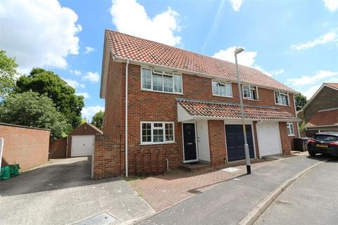 3 bedroom semi-detached house for sale - Whitefriars Meadow, Sandwich