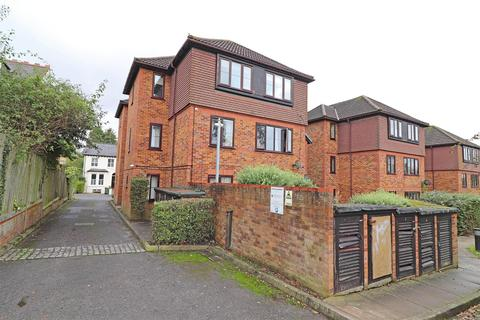 2 bedroom flat for sale - Earlswood Road, Redhill