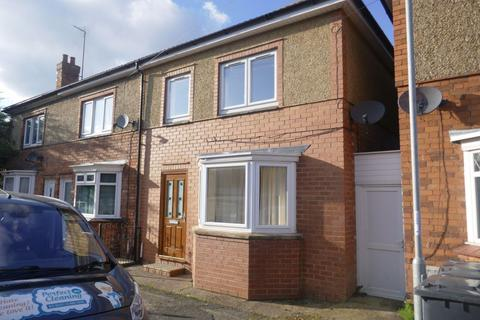 2 bedroom house to rent - Cornwall Road, Kettering, Northants