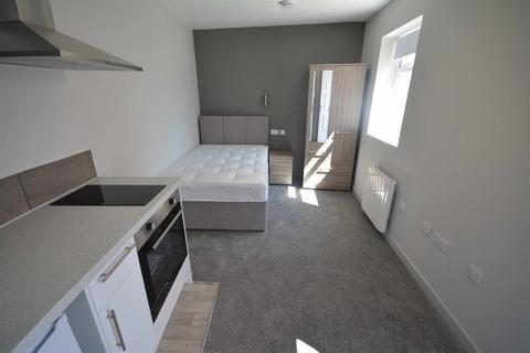 Studio to rent - Chadwick Street, Leigh, WN7 1RR