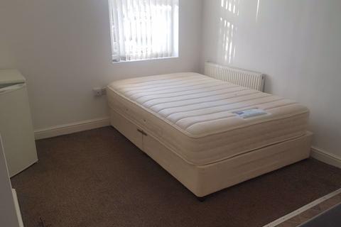 Studio to rent - Flat, Doncaster