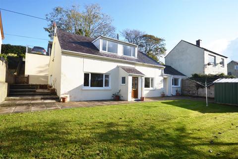 3 bedroom detached house for sale - Beach Road, Llanreath, Pembroke Dock