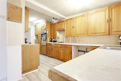 4 bedroom terraced house to rent - Alma Road, Enfield, EN3