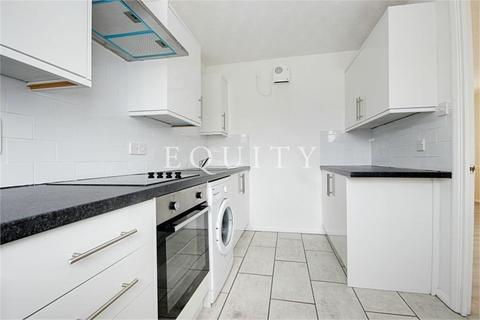 2 bedroom apartment to rent - Kelman Close, Waltham Cross, EN8