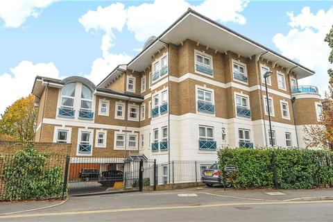 2 bedroom flat to rent - Dene House, 79 Frances Road, Windsor, Berkshire, SL4