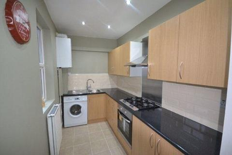 3 bedroom property to rent - Wordsworth Road, Knighton Fields, Leicester, LE2 6ED