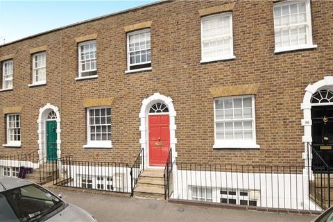 2 bedroom terraced house to rent - Grove Road, Windsor, Berkshire, SL4