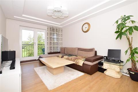 2 bedroom flat for sale - Speldhurst Close, Stanhope, Ashford, Kent