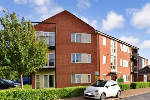 2 bedroom flat for sale - Speldhurst Close, Stanhope, Ashford, Kent