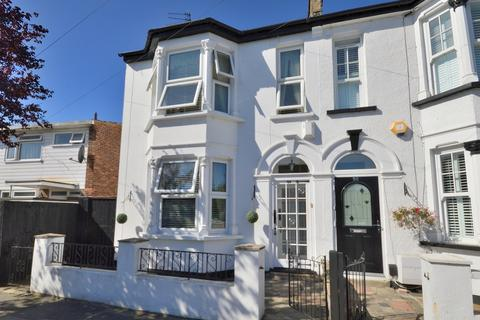 3 bedroom end of terrace house for sale - Holmwood Road, Enfield EN3