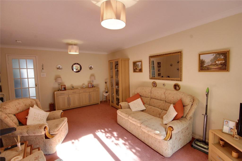 Basing Drive, Aldershot, Hampshire, GU11 2 bed terraced ...