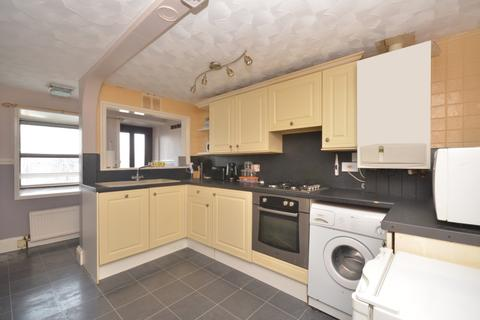 2 bedroom flat to rent - New Road Portsmouth PO2
