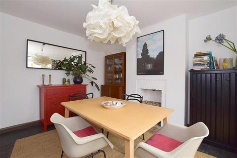 3 bedroom detached house for sale - Douglas Road, Tonbridge, Kent